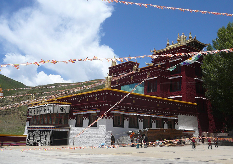 Ke'er monastery, star attraction in Litang