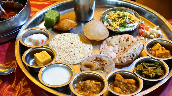 Are Indian Dishes Available In Lhasa