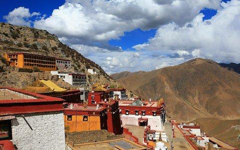 Ganden Monastery Tour
