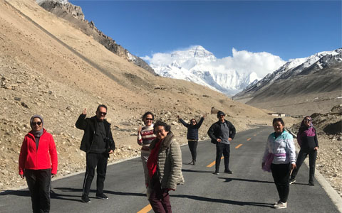 Everest Base Camp Weather: a detailed guide to climate and weather of Everest Base Camp in Tibet