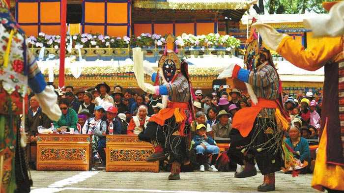 Shoton Festival in Tibet