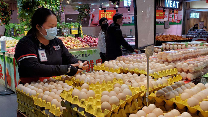 Chinese citizens has sufficient food supply and daily commodities