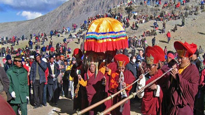 Tibet Religious Month: Best Time to See Religious Rituals in Tibet