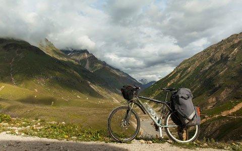 6 Days Lhasa and Ganden Monastery Bike Tour