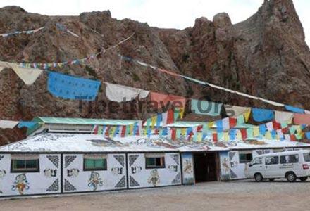 Facade of Namtso Tent Guesthouse