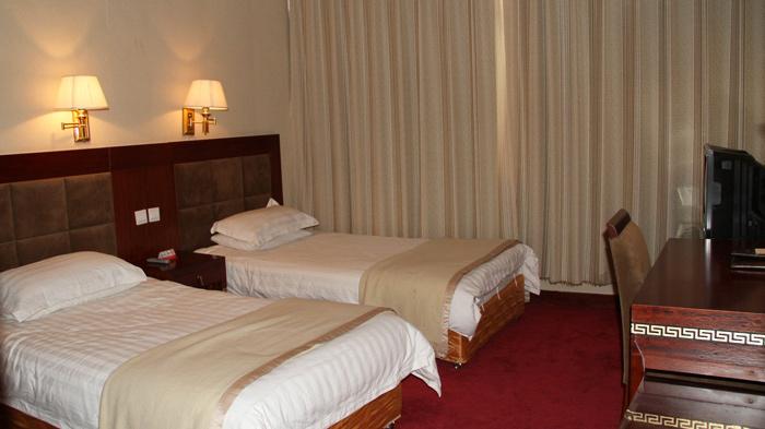 Tingri Qomolangma Hotel