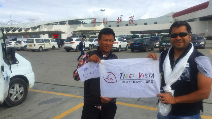 Traveling with a local Tibetan Travel Agency