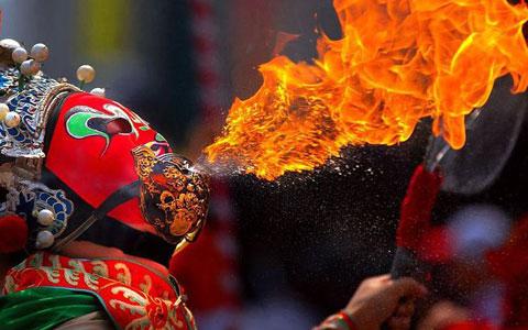 14-Day HK Chengdu Lhasa EBC Kathmandu Tour