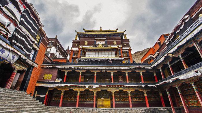 Inside of Tashilunpo Monastery