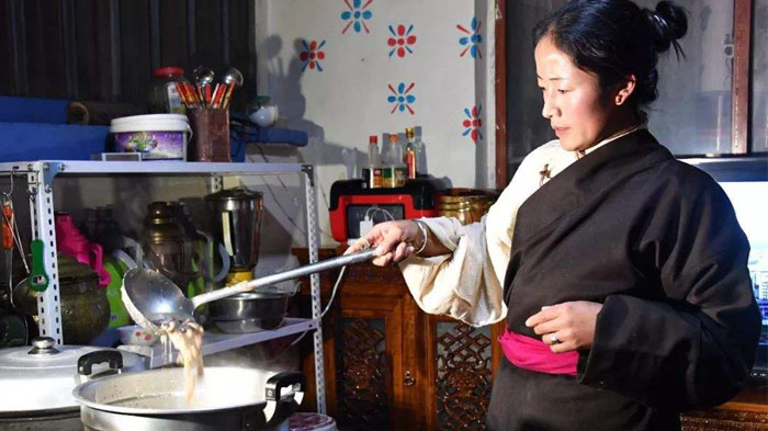 A Tibetan housewife