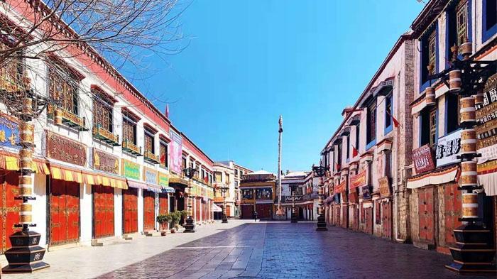 Empty Barkhor Street in Feb 2020