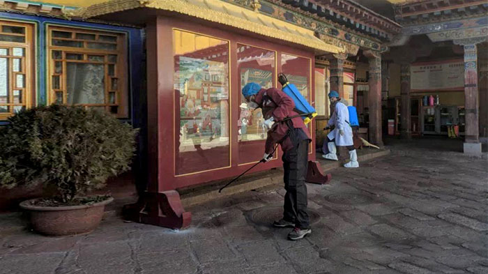 Helped to sanitize the Jokhang Temple