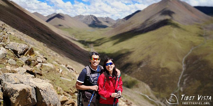 Pass high pass and deep valleys during Ganden to Samye trek