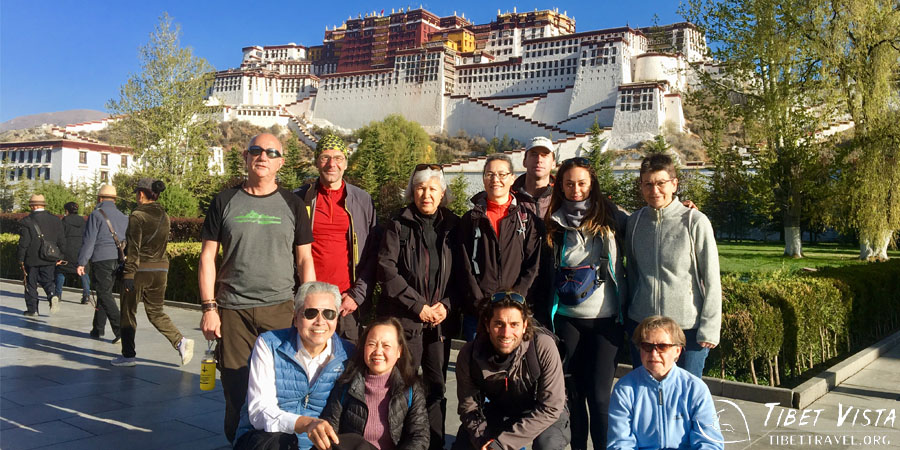 the iconic Potala Palace in Lhasa