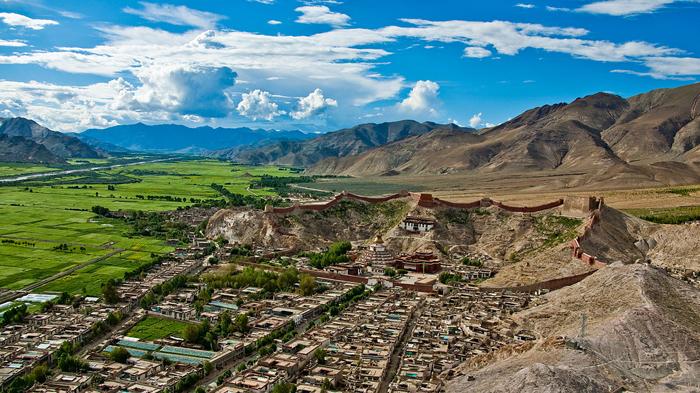 Gyantse County in Tibet